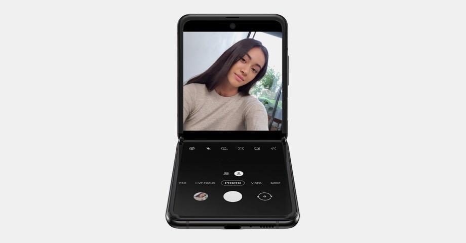 Смартфон Samsung Galaxy Z Flip 11