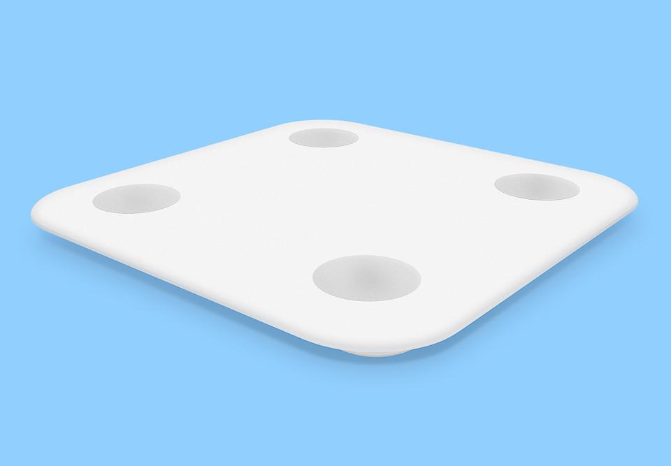 Весы Xiaomi Smart Scale 2 на синем фоне
